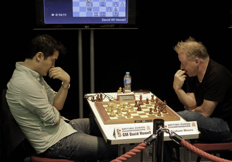 Photo: GM David Howell v Graham Moore