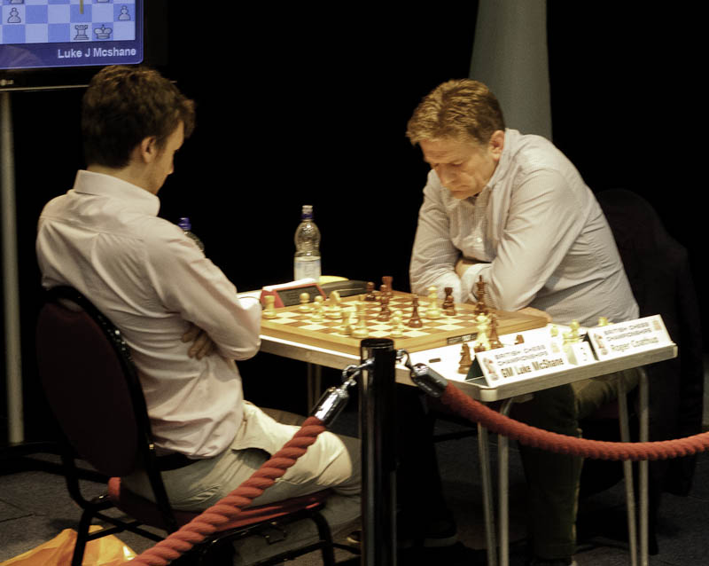 Photo: GM Luke McShane v Roger Coathup